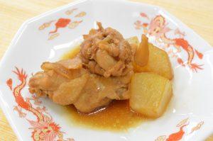 トウガンと鶏手羽元の黒酢煮