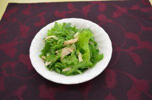 春菊とチキンのサラダ