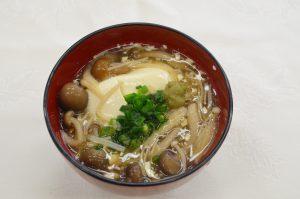 豆腐のきのこ汁